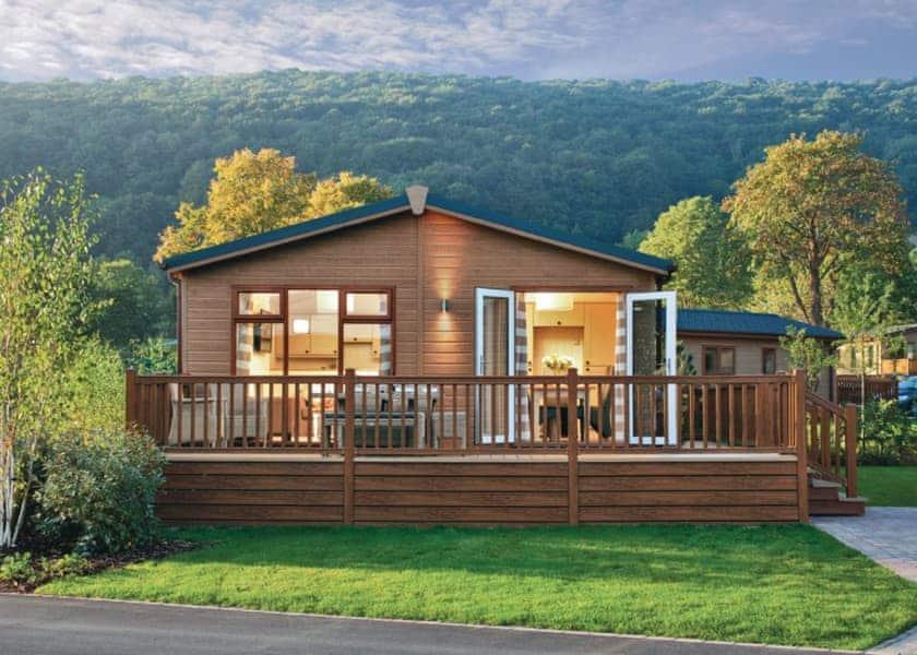Groovy Cheddar Woods Resort Spa In Cheddar Lodges Book Online Home Interior And Landscaping Palasignezvosmurscom