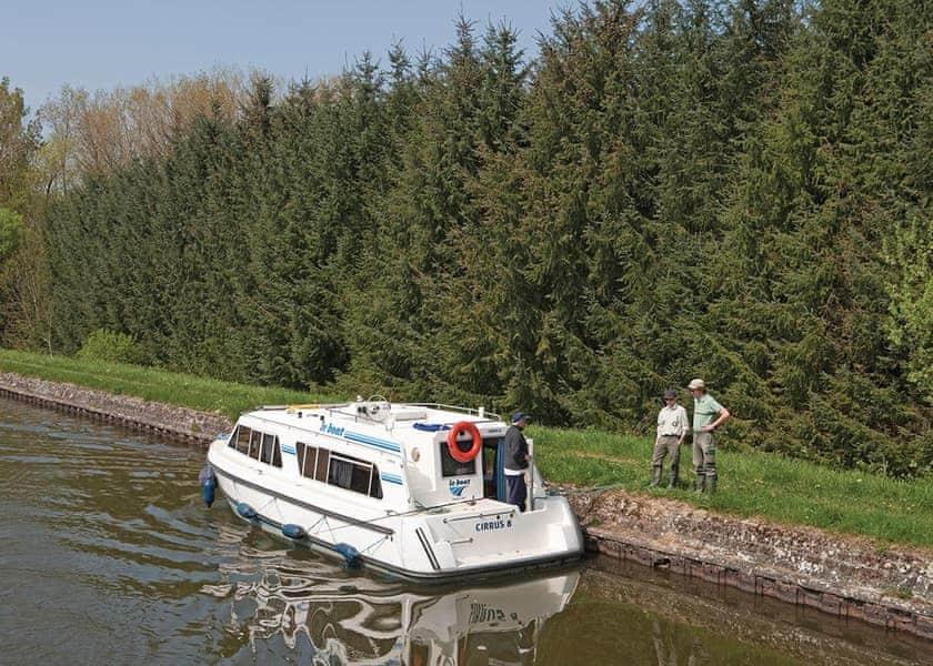 Cirrus B Boat Hire