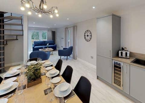 Deluxe Woodland Loft-Style Lodge