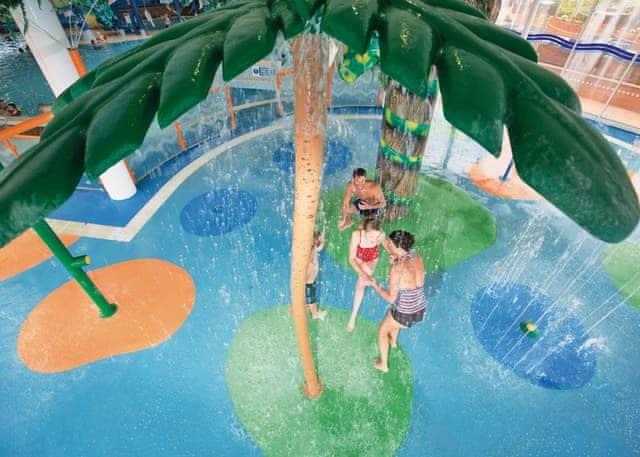 Indoor splash zone