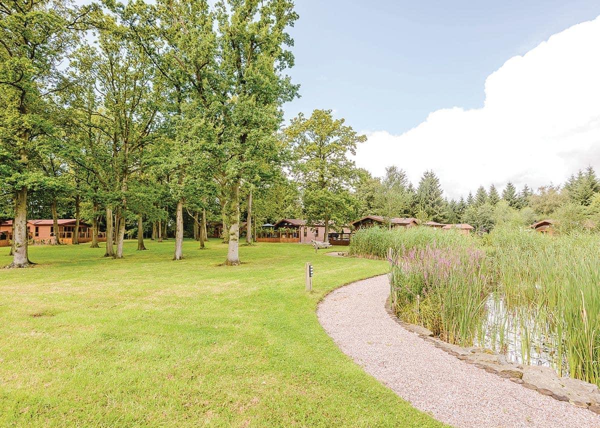 Ladera Lodge 2