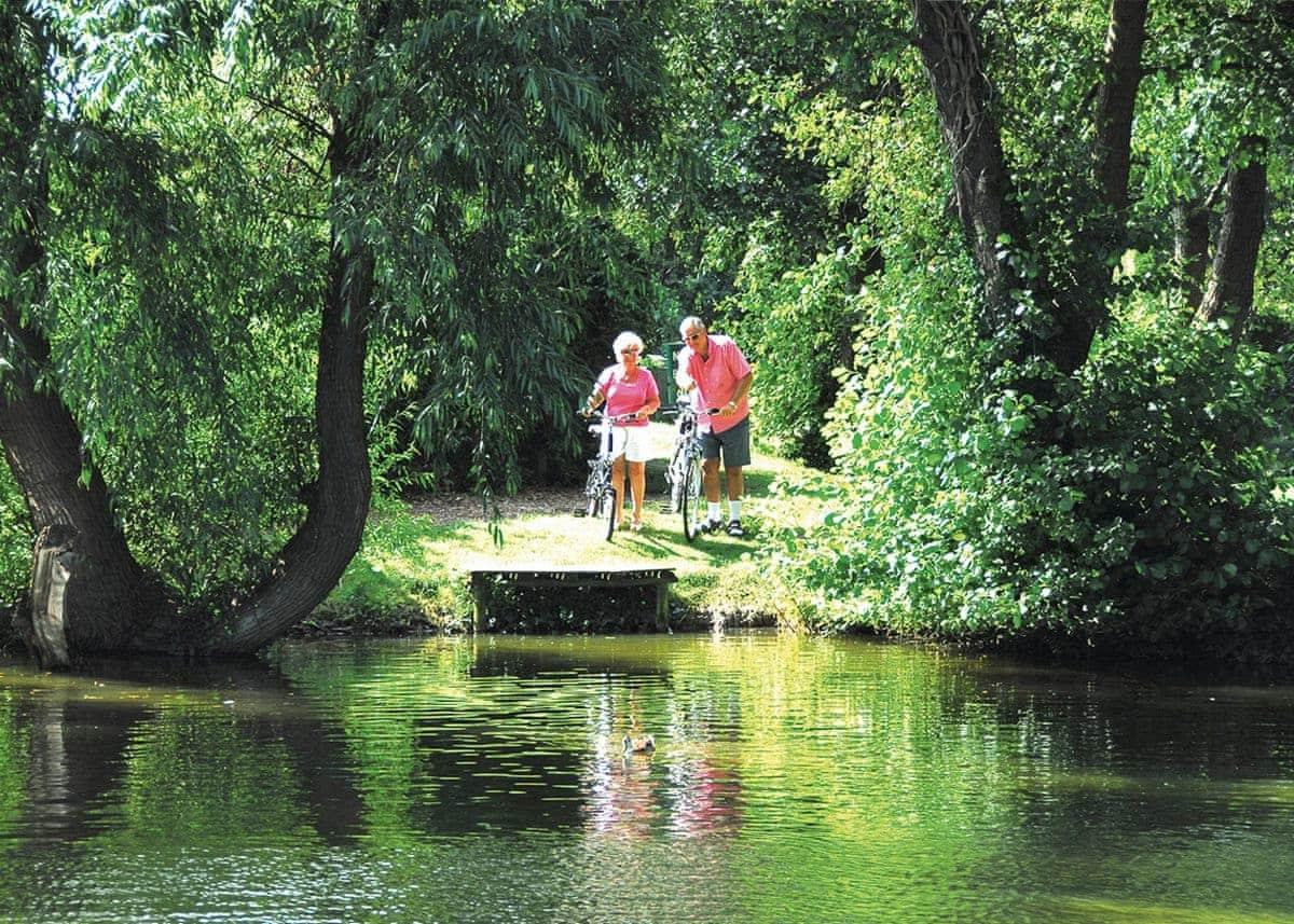 Lakeside Holiday Park