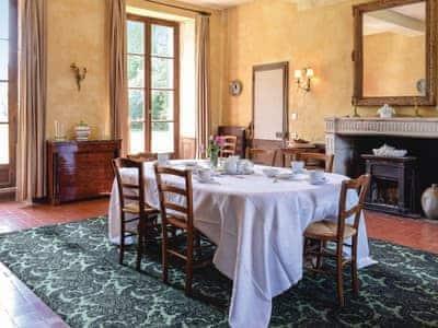 Chateau De Viques thumbnail 4