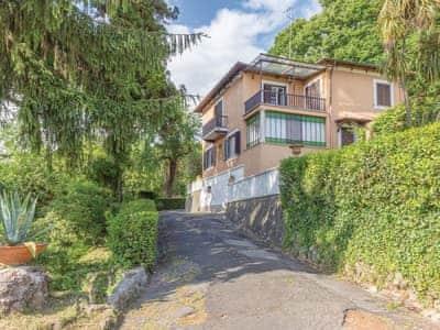 Villa Castelli Romani thumbnail 6