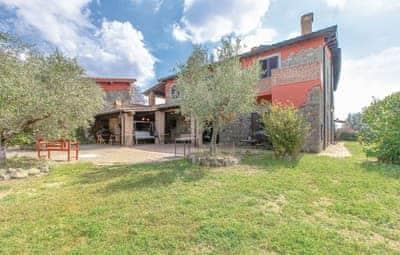 Villa Montefiascone thumbnail 6