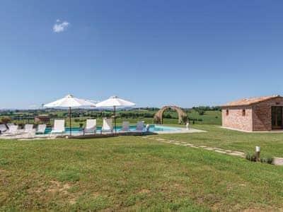 Villa Monoli thumbnail 2