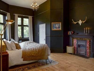 Weston Manor House thumbnail 3