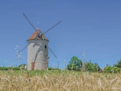 Moulin Loubatiere thumbnail 2