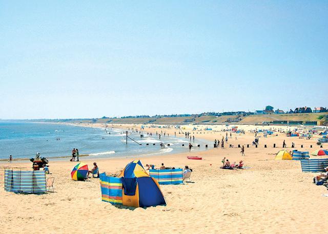 Gorleston beach (3 miles)