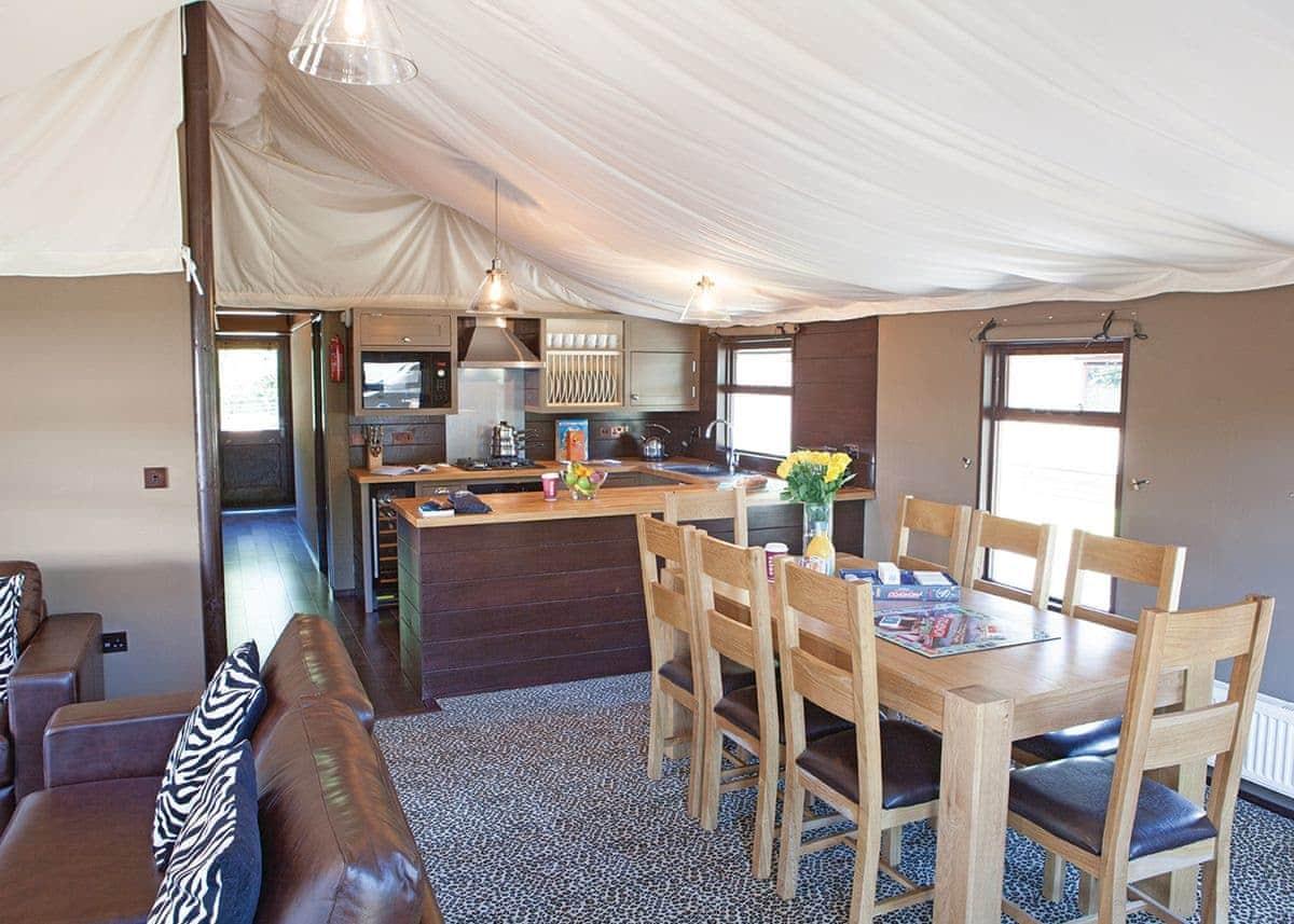 Exclusive Safari Tent 2