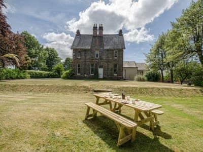 Spacious detached house, with large enclosed gardens   Albion House, Castle Douglas