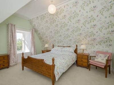 Double bedroom   Albion House, Castle Douglas