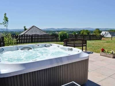 Hot tub | Kirkland Burn, Tinwald, near Dumfries