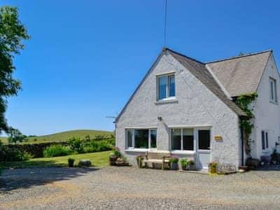 Wonderful holiday accommodation | Carse Cottage, Twynholm by Kirkcudbright