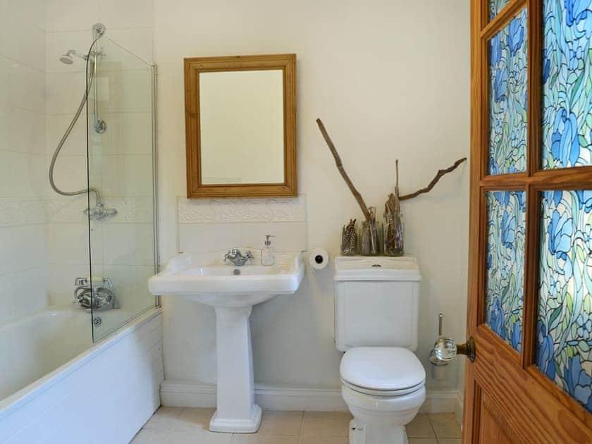 Well presented bathroom | The Paint Box, Heasley Mill, near South Molton