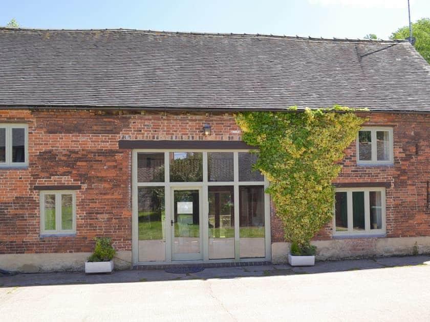 Foremark Cottages - Foremark Threshing Barn