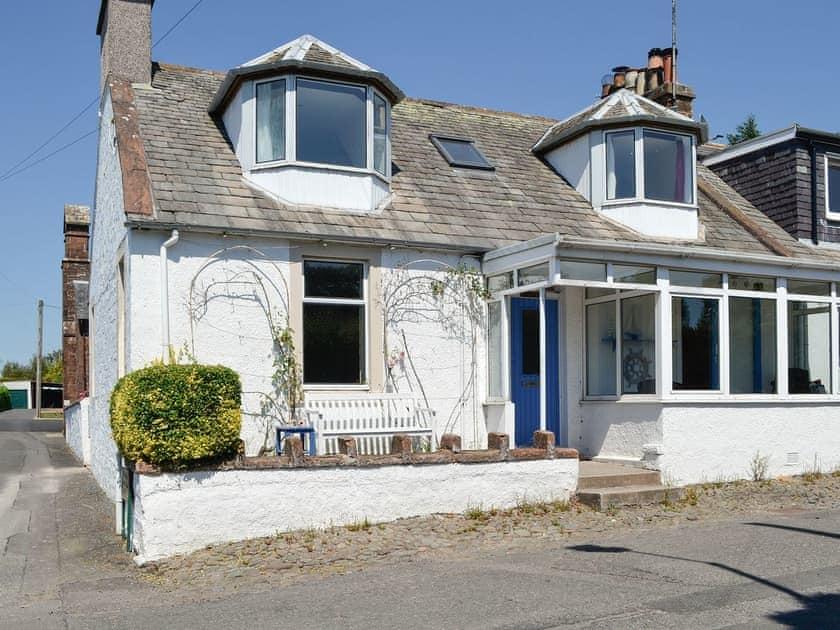 Caerlaverock Cottages - Rowan Cottage