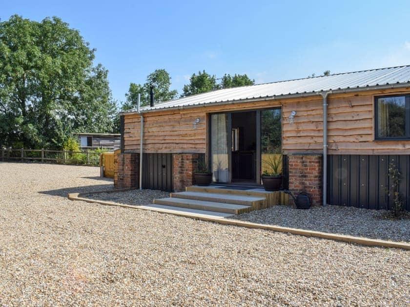 Rossiter's Vineyard Barn - Madeline Angevine