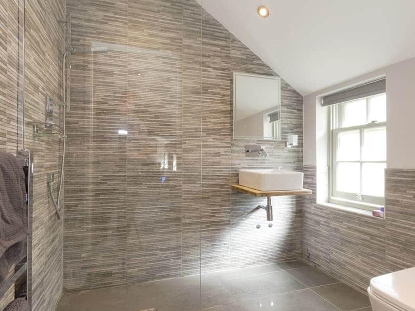 Wonderful en-suite shower room   Ivy Cottage, Beck Hole, near Whitby