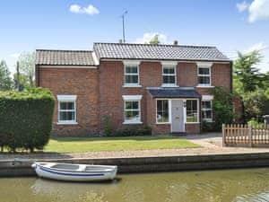 Simpson's Boatyard - Riverside