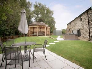 Bryngwyn Canol Cottages - Derwen