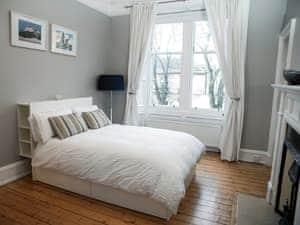 Stockbridge Apartment