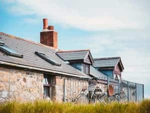 Mount Douglas Farm - The Cottage