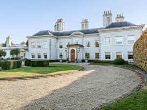 Hardy Manor