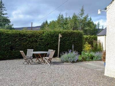Sitting-out-area | Croft End Cottage - Brewlands Estate, Glenisla, Blairgowrie