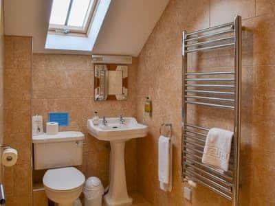 En-suite with heated towel rail   Low Croft Cottage - North Farm Cottages, Embleton, near Alnwick