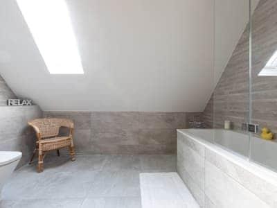 Stylish bathroom   The Penthouse @ Ocean Breeze, Stoke Fleming