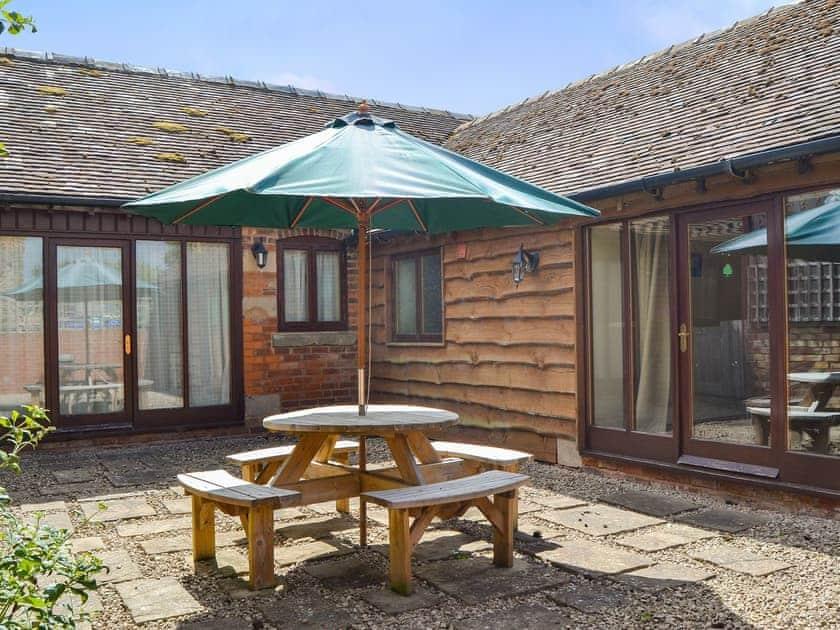 Sitting-out-area | Skimblescott Barn, Much Wenlock