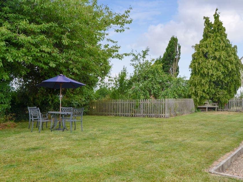 Large lawned garden | Skimblescott Barn, Much Wenlock