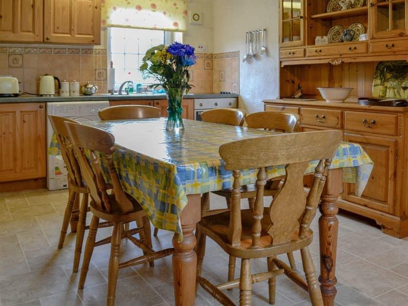 Charming kitchen/ dining room | The Granary - Yorbus Grange, Bishop Monkton, near Ripon