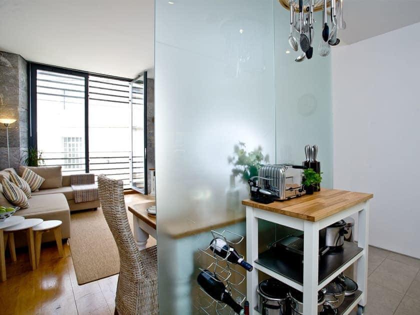 Kitchen/diner   Wild Beaches Apartment, Royal William Yard - Royal William Yard, Plymouth