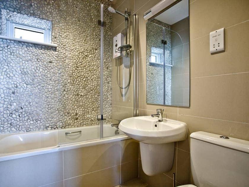 Bathroom | Curlew 2, The Cove - The Cove, Brixham