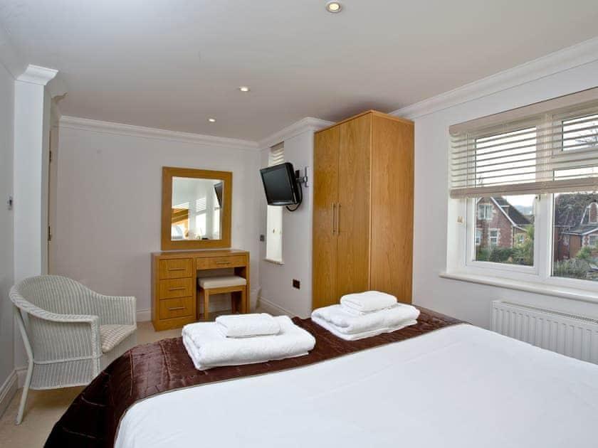 Double bedroom | 7 Goodrington Lodge - Goodrington Lodge, Paignton