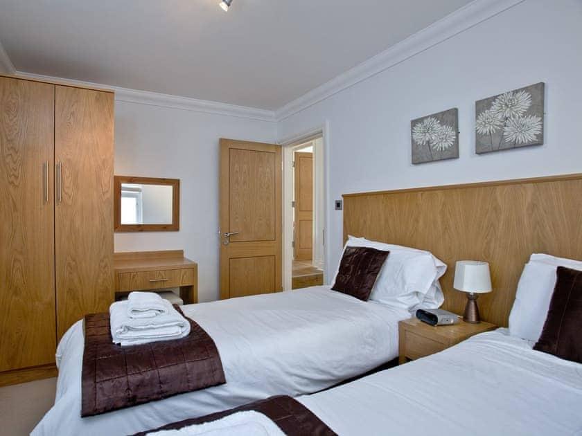 Twin bedroom | 7 Goodrington Lodge - Goodrington Lodge, Paignton