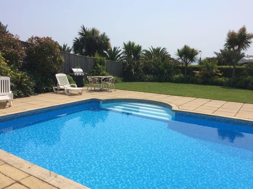 Swimming pool | The Cottage, Goodrington Lodge - Goodrington Lodge, Paignton