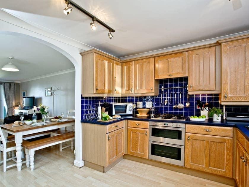 Kitchen | 2 Headland Point, Newquay