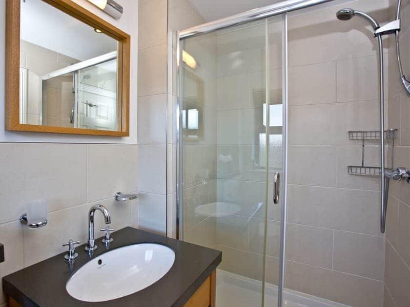 En-suite with walk-in shower   Cherry, Woodland Retreat - Woodland Retreat, Wadebridge