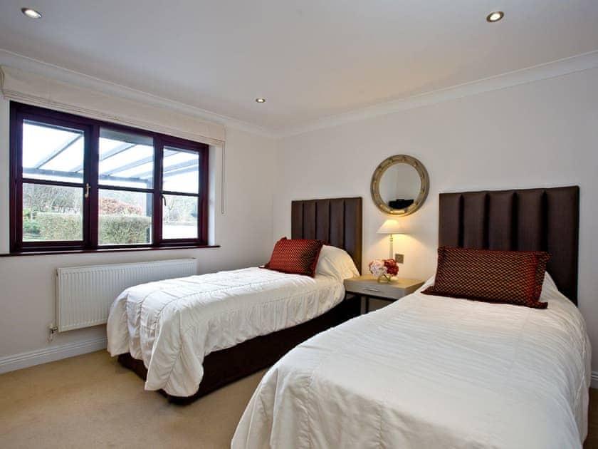 Delightful twin bedded room | Holly, Woodland Retreat - Woodland Retreat, Wadebridge