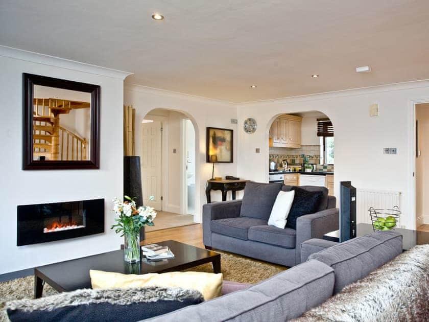 Lovely and spacious open plan living | Honeysuckle, Woodland Retreat - Woodland Retreat, Wadebridge