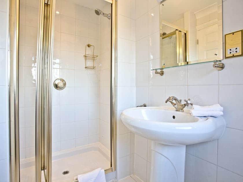 Luxurious en-suite shower room | Honeysuckle, Woodland Retreat - Woodland Retreat, Wadebridge
