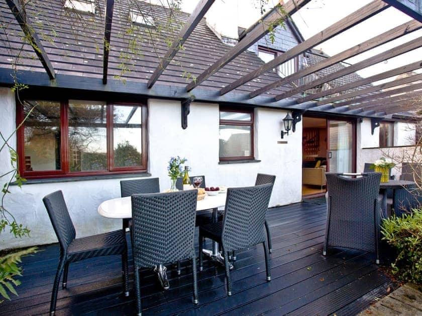 Decked area with patio furniture | Honeysuckle, Woodland Retreat - Woodland Retreat, Wadebridge