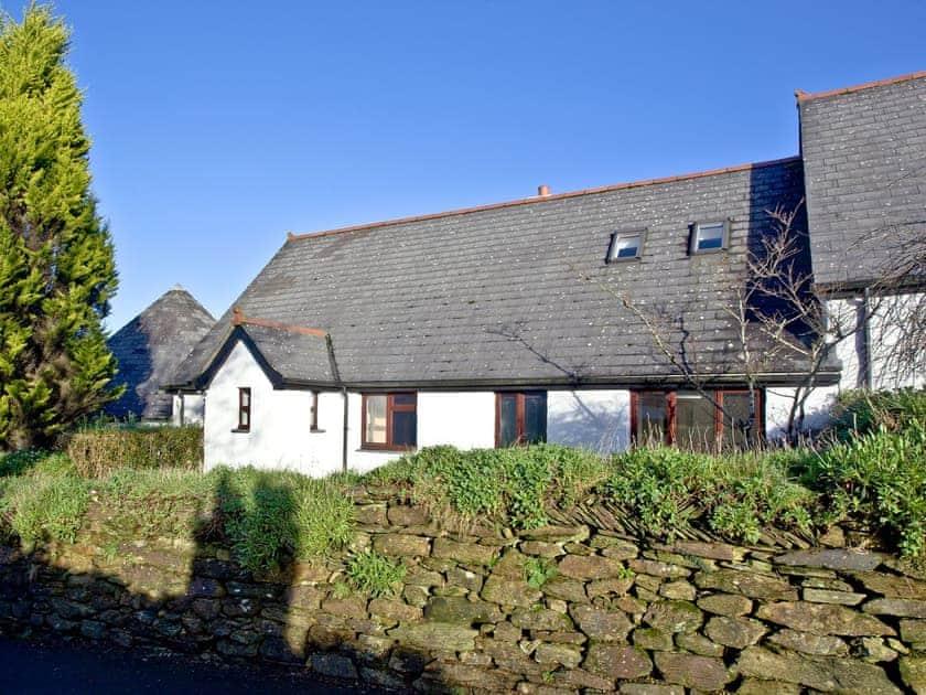 Beautifully presented holiday cottage | Honeysuckle, Woodland Retreat - Woodland Retreat, Wadebridge