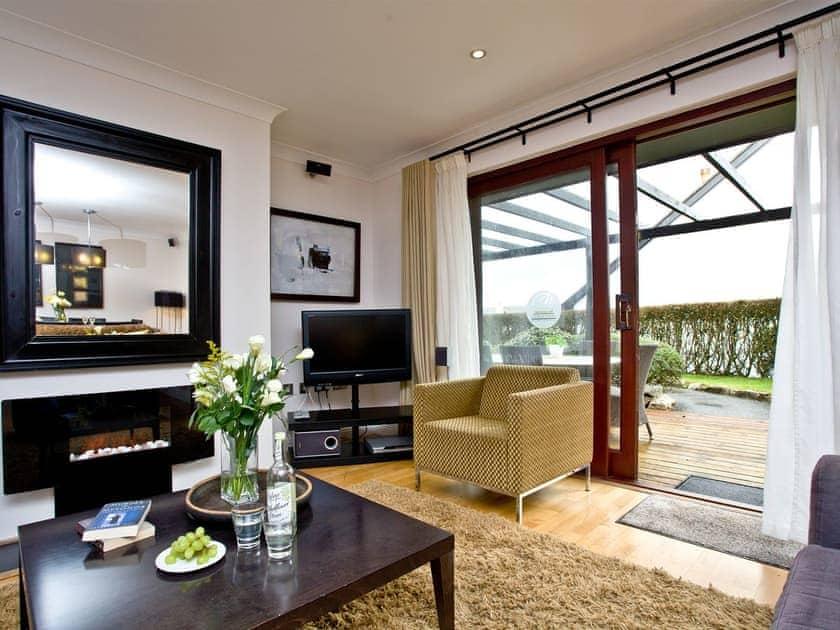 Comfortable living area   Lily, Woodland Retreat - Woodland Retreat, Wadebridge