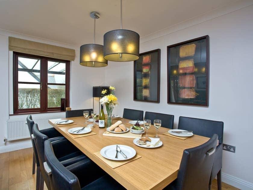 Delightful dining area   Lily, Woodland Retreat - Woodland Retreat, Wadebridge