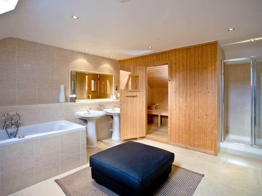 Beautiful en-suite   Lily, Woodland Retreat - Woodland Retreat, Wadebridge
