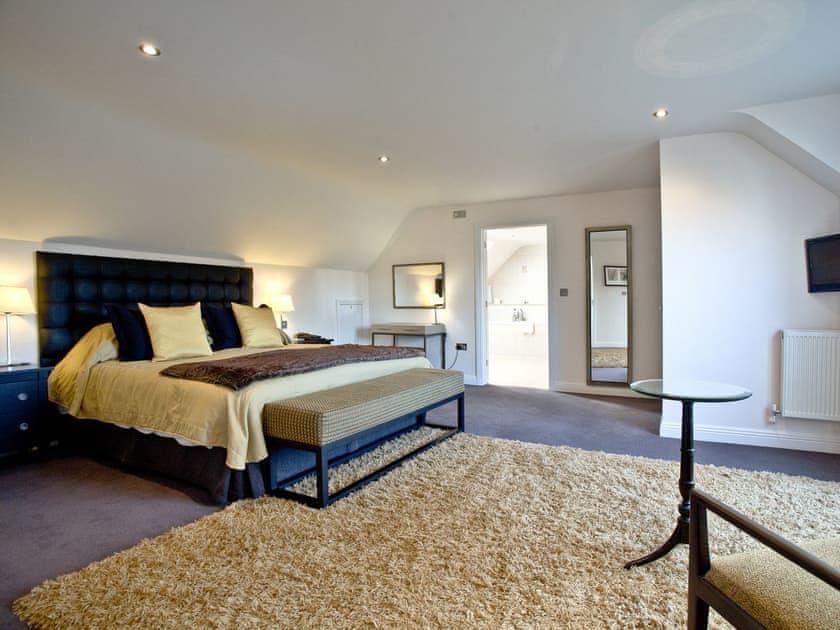 Delightfully inviting double bedroom | Orchid, Woodland Retreat - Woodland Retreat, Wadebridge